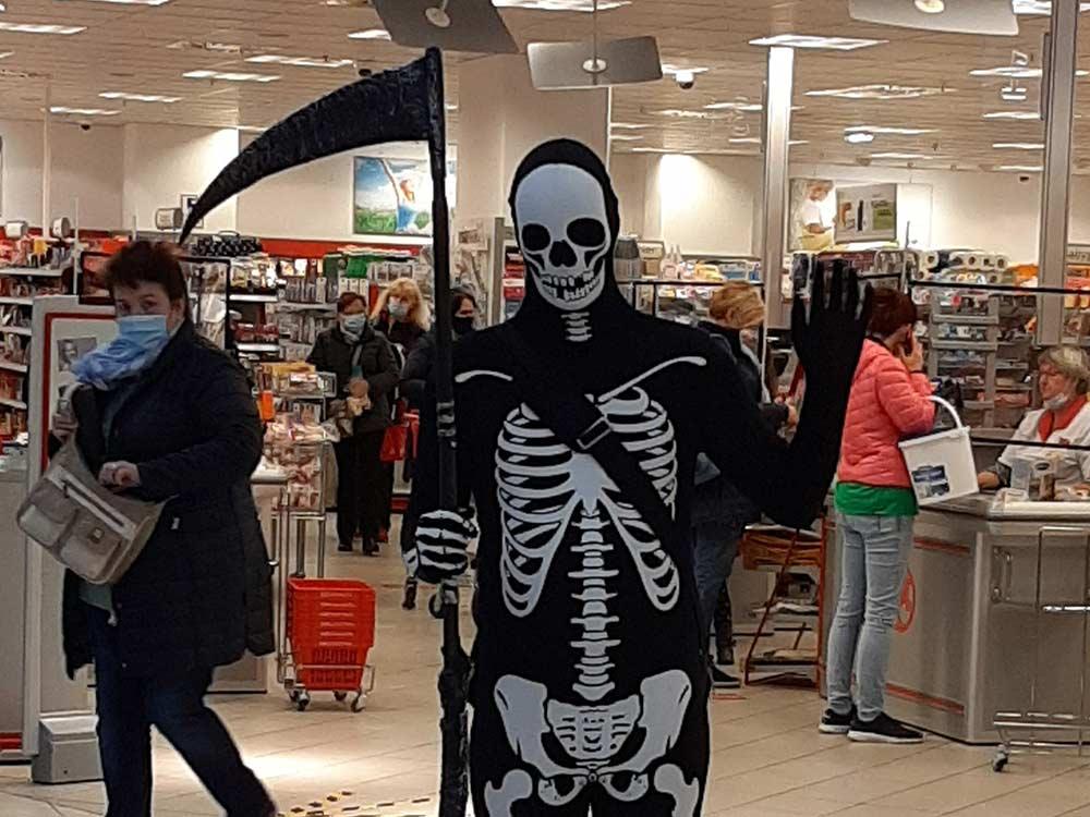 Morphsuit-Skelett-mit-Sense